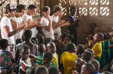 one-direction-in-ghana-africa-pic